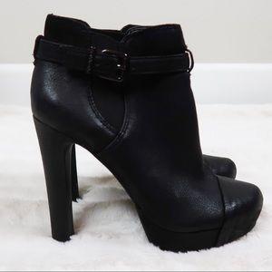 Gianni Bini black heeled booties